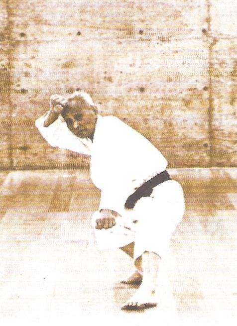 Soke Ohtsuka in kata Kushanku