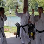 Christian, Mario e Luciano praticano kata Chinto.