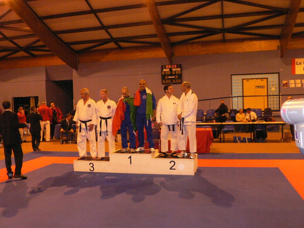 """Parigi Campionati Europei 2007 - 1°posto per S.PUGGIONI  e M.SAVOLDI nella specialità """"tanto dori"""" (difesa da coltello."""